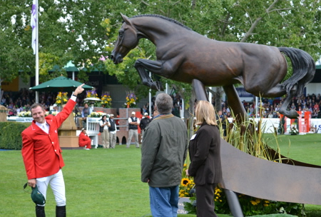 Lifesize Hickstead Statue with Eric Lamaze, John Fleischhacker and artist Mary Sand