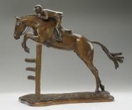 """Pferd Skulptur von Hunter / Jumper, mit dem Titel """"Young Hunter"""""""