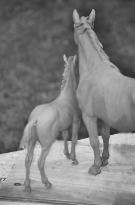 Horse sculpture : Mare and Foal